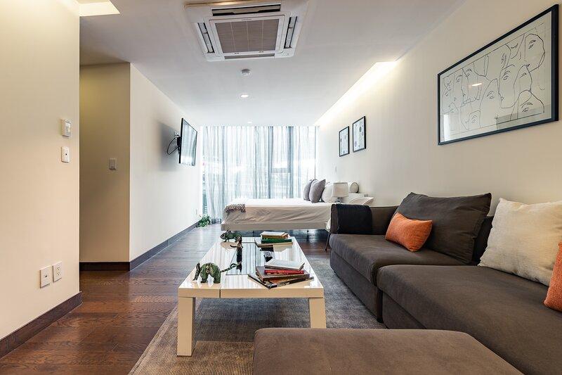 Casai Santa Fe |1 BR| Designer Suite, holiday rental in La Marquesa