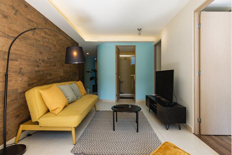 Casai Amazing and Spacious 3BR 2BA Apt. in Polanco, holiday rental in Atizapan de Zaragoza