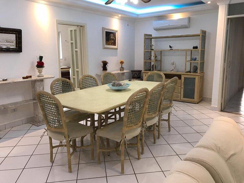 Apartamento Guarujá Praia Enseada, aluguéis de temporada em Guarujá