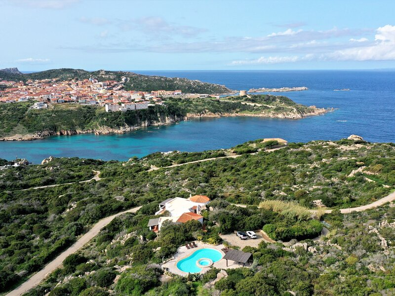 Villa Bianca, holiday rental in Santa Teresa Gallura