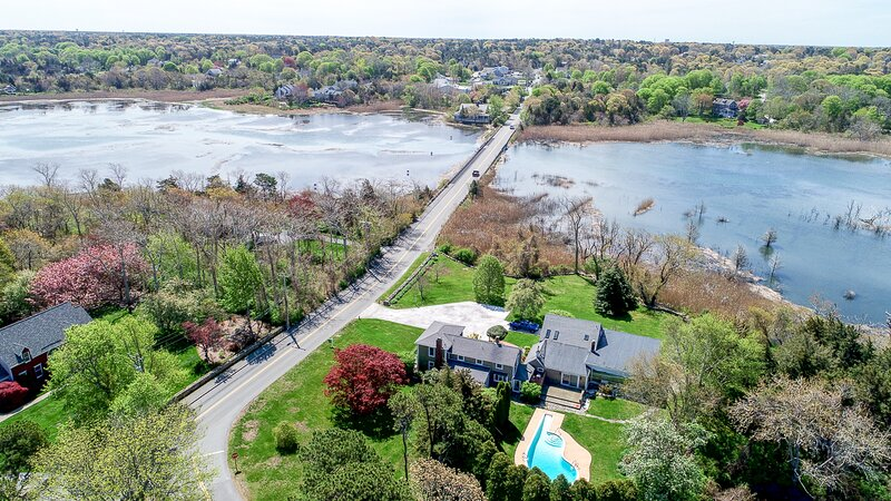 Private, Updated 4+ Acre Family Compound, Pool, Water Views, Sunsets: 071-D, Ferienwohnung in East Dennis