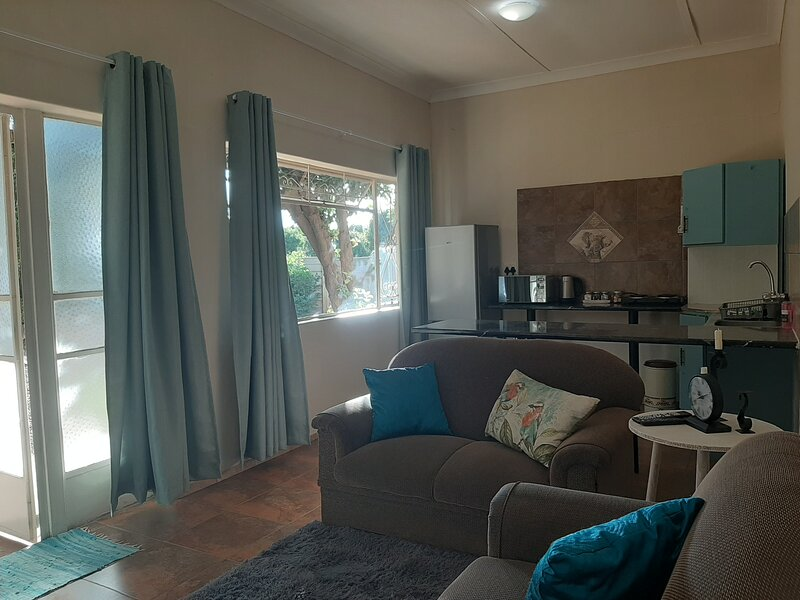Lullaby Leaves Guesthouse (Pty) Ltd, holiday rental in Lichtenburg