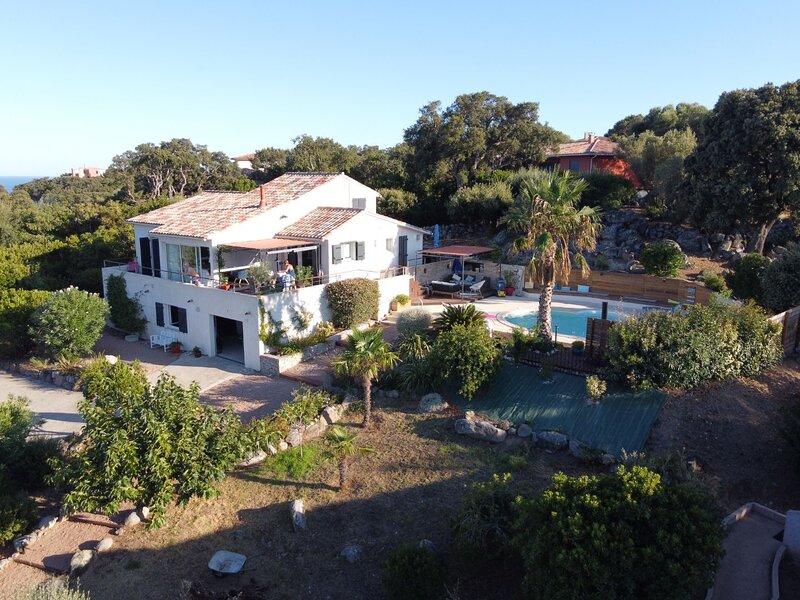 Villa 'TESTA', alquiler de vacaciones en Sainte Lucie de Porto-Vecchio
