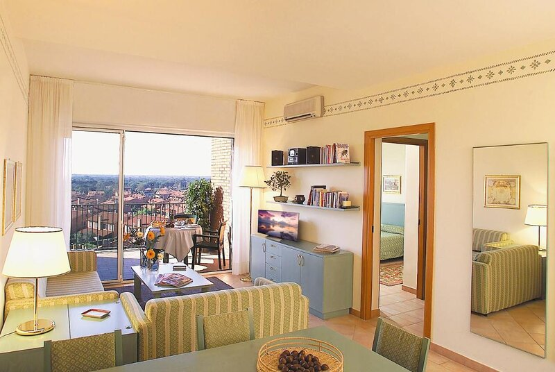 Residence Rome Area I Triangoli Apartment one bed room very cozy, holiday rental in Acilia