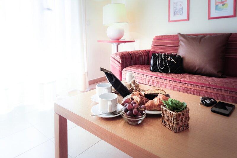 Residence Zona Roma I Triangoli Appartamento mensile, holiday rental in Acilia
