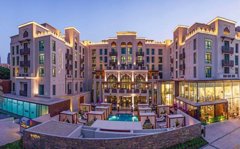 Luxury 2 bedroom roof top pool., alquiler de vacaciones en Murqquab