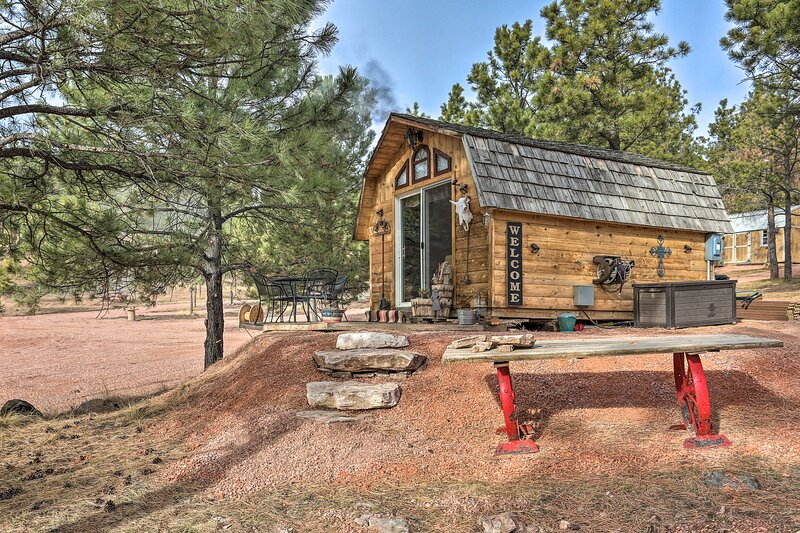 NEW! 'Sundance Cabin' ~ 17 Miles to Mt Rushmore!, vacation rental in Hermosa