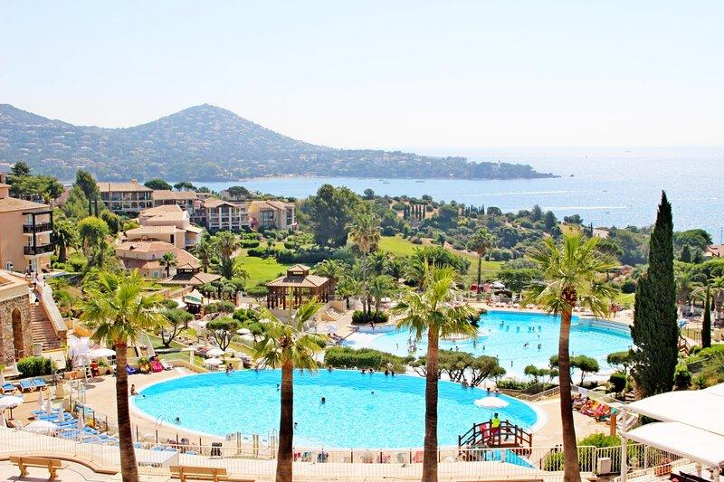 Cap Estérel village : 2 pièces vue golf quartier R0 - 404la, vacation rental in Antheor