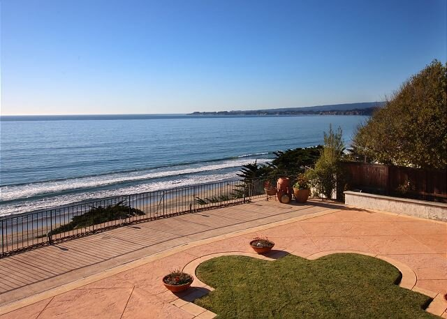 Quiet Beach Hideaway | Expansive Patio with Fire Pit | Panoramic Ocean View, location de vacances à La Selva Beach