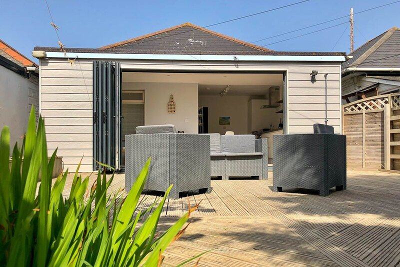 Beach Bungalow, holiday rental in Perranporth