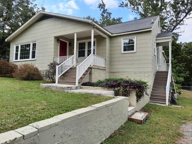 Single Family Home in Rossville GA!, holiday rental in East Ridge