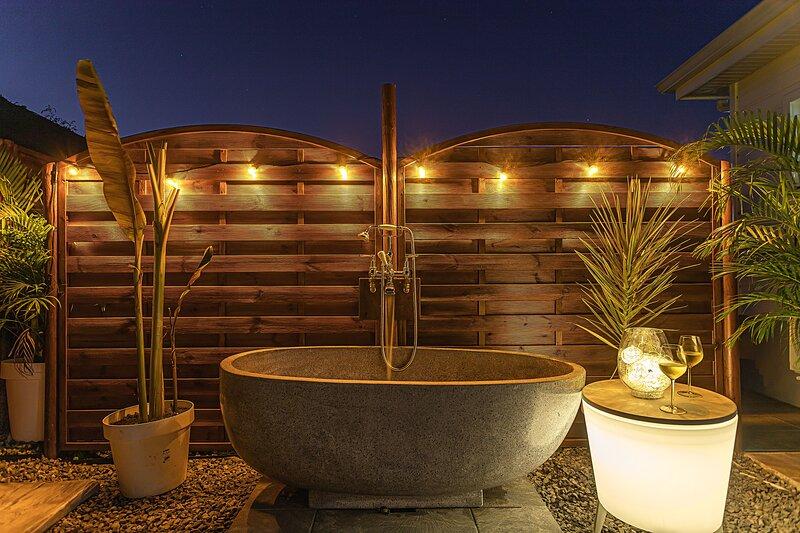 Amazing bungalow with garden & Wifi, vacation rental in Gros Cap