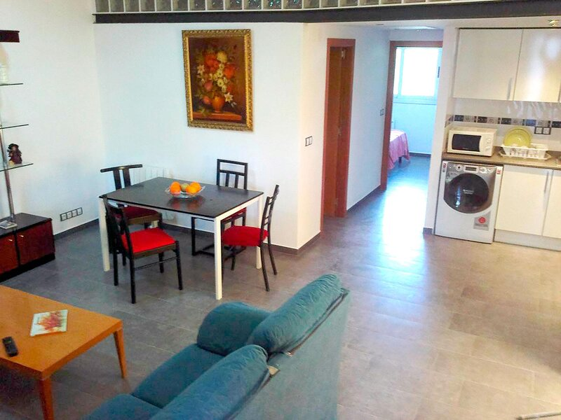 Apartment in Girona Montjuïc A6 for 6 people, holiday rental in Sant Marti Vell