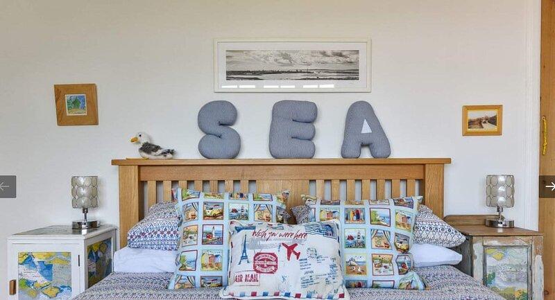 WIFI, beach, Solent Sea View, 3 bedroom comfy coastguard cottage, location de vacances à Lee-on-the-Solent