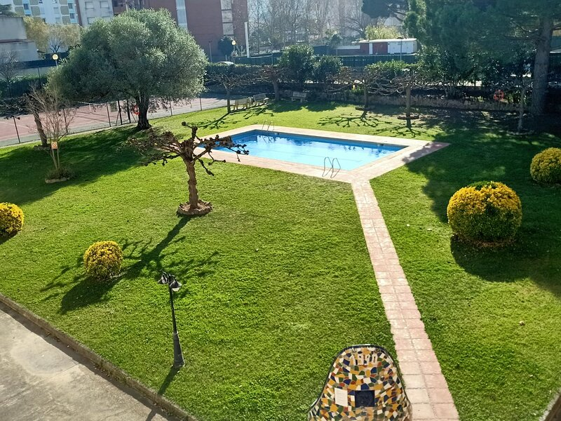 Girorooms - Apartment in Platja d'Aro with communal pool and garden - BARRAU, vacation rental in Castell-Platja d'Aro