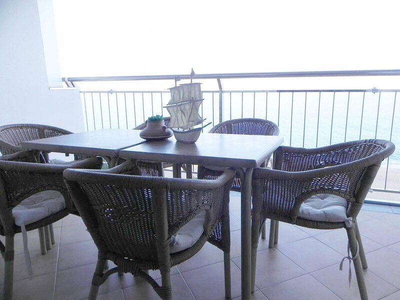 Duplex in Platja d'Aro nearby the centre with sea views and WIFI - ANDREU, vacation rental in Castell-Platja d'Aro