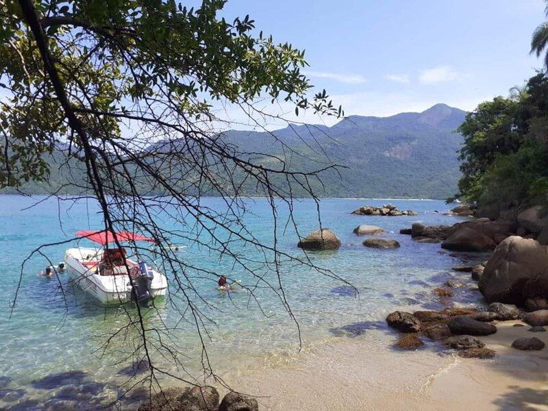 Suítes Recanto da Sereia - Corrida Maluca, vacation rental in Angra Dos Reis