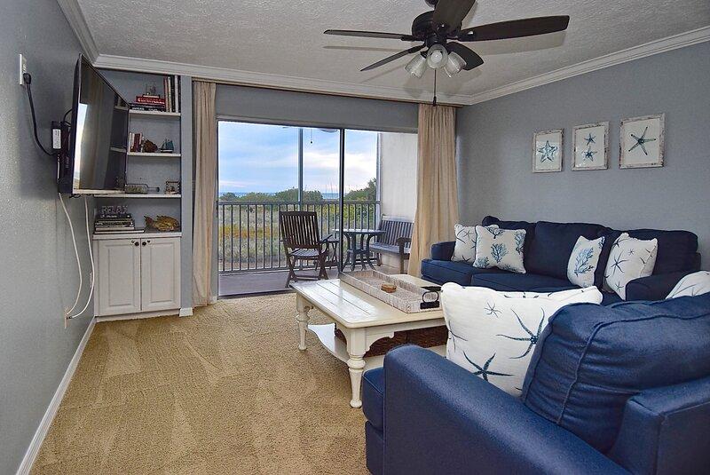 Stunning 2 Bedroom/ 2 Bath by Siesta Key Beach, Sunlight Sensation!!, holiday rental in Siesta Key