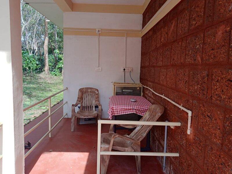 Homestay on organic coffee farm Room No. 1, holiday rental in Pulpally