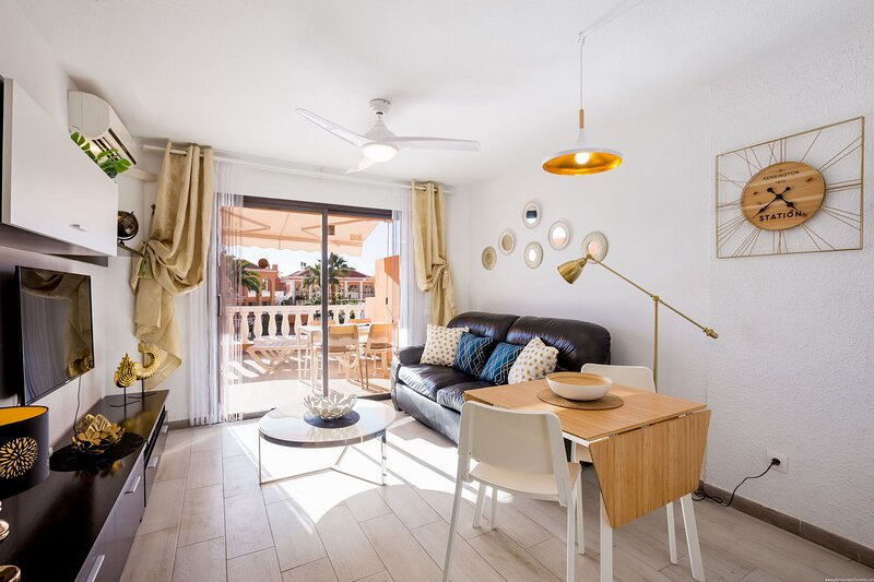 TENERIFE ROYAL GARDENS - B2.5, holiday rental in Playa de las Americas
