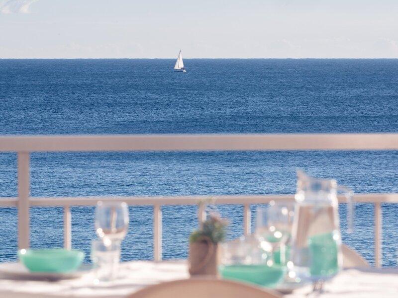 Dream views on the sea shore of Platja d'Aro, vacation rental in Castell-Platja d'Aro