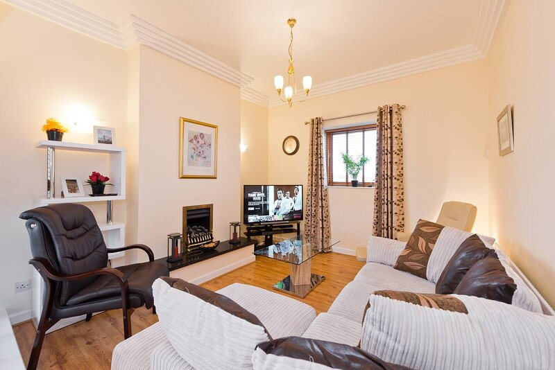 Stunning 3-Bed Apartment in Dublin 1, location de vacances à Santry