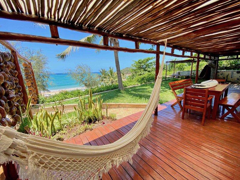 Casa Amendoa - Stunning villa on Tofo mainbeach, vacation rental in Mozambique