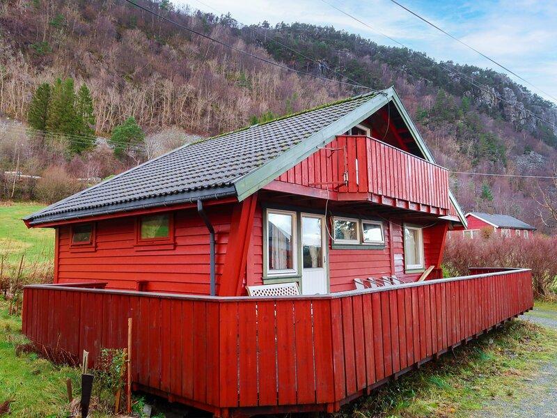 Gjestehus (FJH130), holiday rental in Eikelandsosen