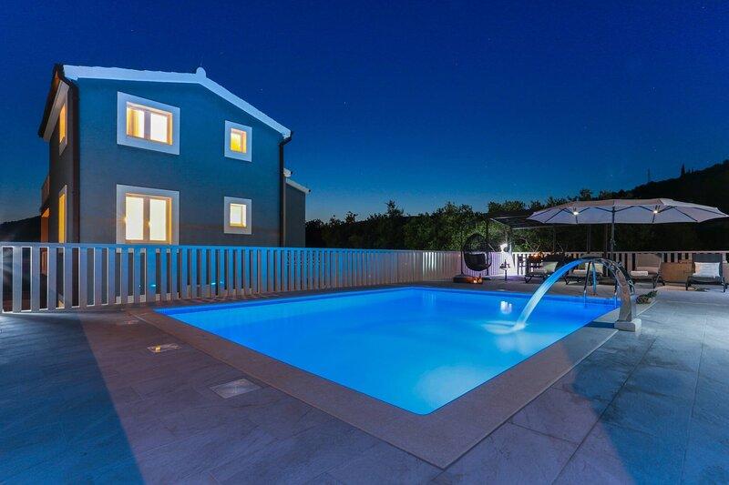 Villa Blue Dolphin - Poljica, casa vacanza a Poljica