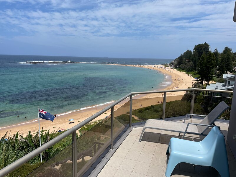 Toowoon Bay Beach Front Apartment with free Wifi and Netflix, alquiler de vacaciones en Long Jetty