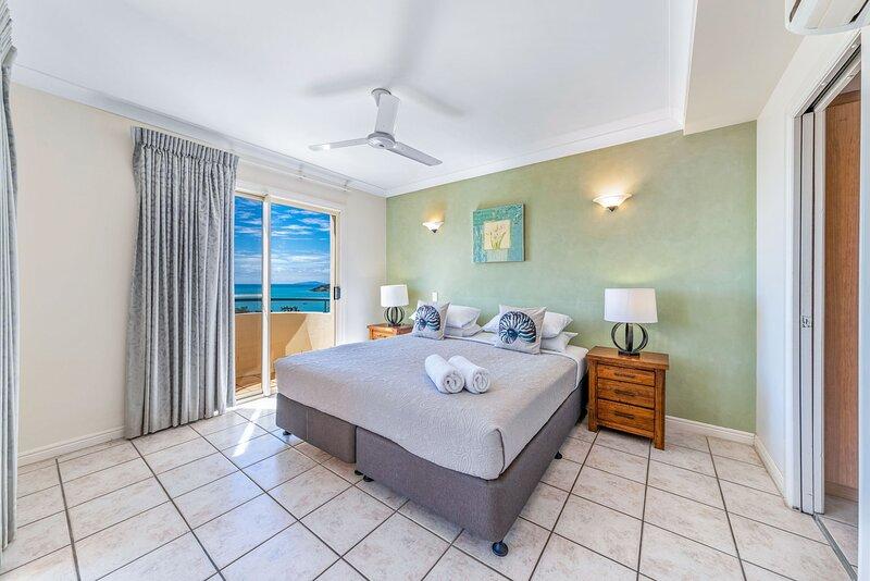 Ocean Views Galore - Airlie Beach, holiday rental in Flametree