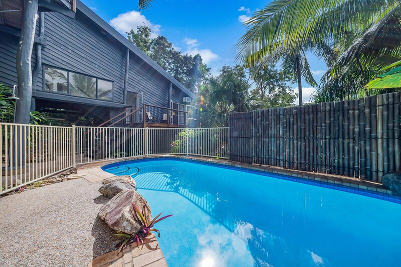 The Treehouse - Airlie Beach, QLD, holiday rental in Jubilee Pocket