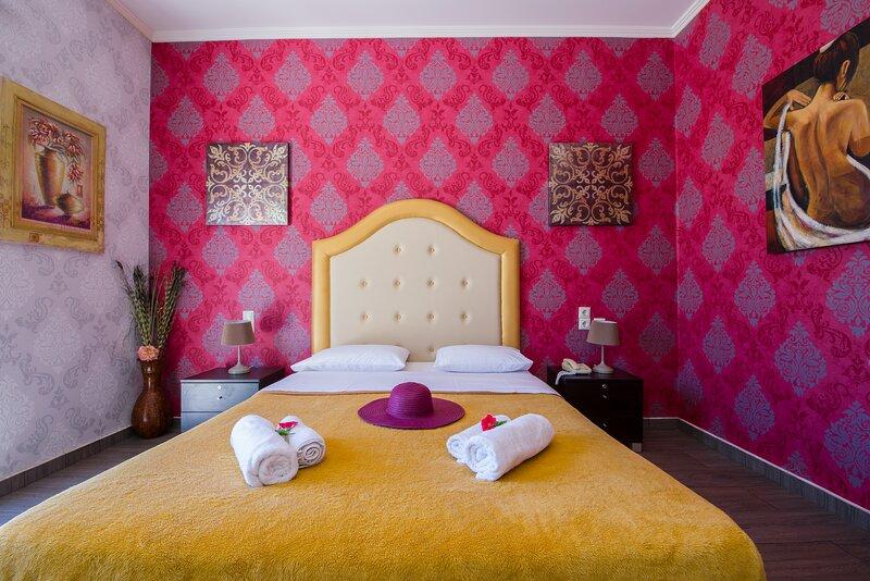 Paradice Hotel Luxury Suites 22, alquiler vacacional en Stavros