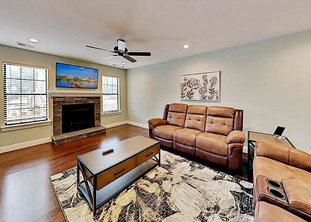 Remodeled Central Getaway | Walk to Dining, Shops, Entertainment | Near Beach, vacation rental in North Charleston