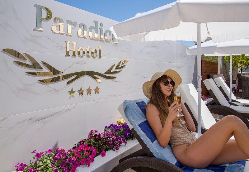 Paradice Hotel Luxury Suites  for 3, alquiler vacacional en Stavros