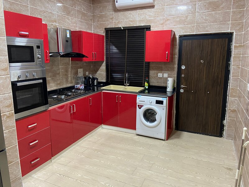 Luxurious and Inviting 4-Bed House in chevro-Lekki, holiday rental in Lagos State