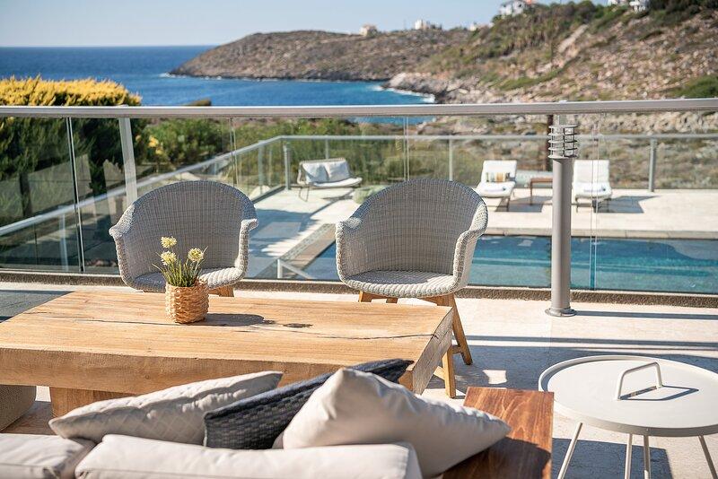 Divine villas - sea view villas with private pool, vacation rental in Akrotiri