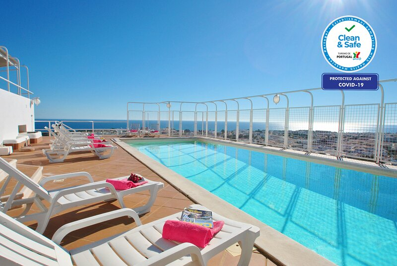 STUNNING PENTHOUSE, PRIVATE POOL, WI-FI, BREATH-TAKING VIEWS – semesterbostad i Branqueira