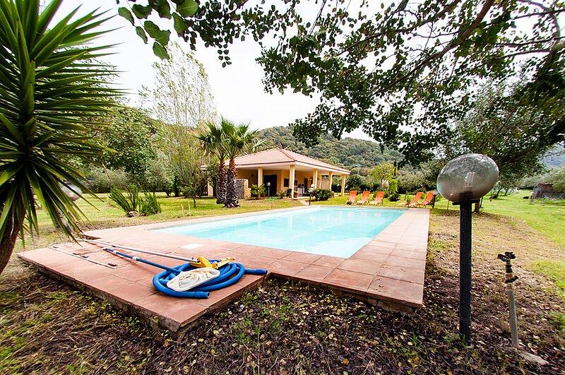 Villa Edoardo 3p, casa vacanza a Villanova Monteleone