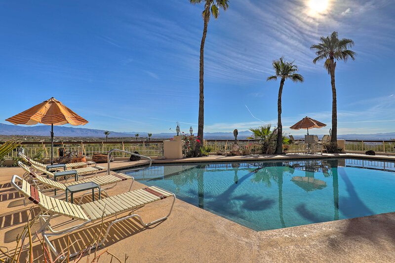 Pool Access | 4 Steps Required | Hot Tub | Gas Grill