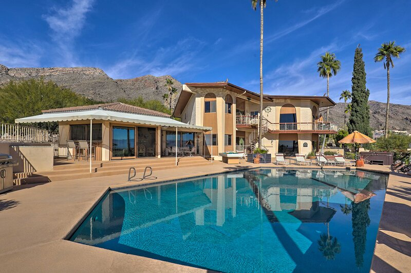 Tucson Retreat w/ Superb Mountain & City Views!, holiday rental in Catalina Foothills