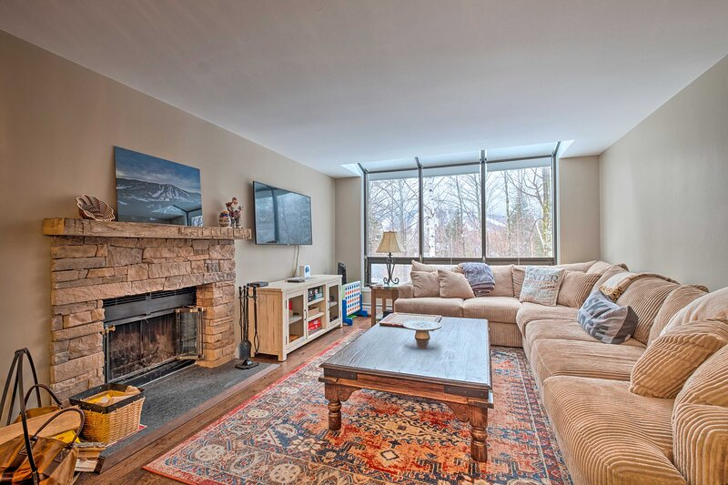 NEW! Vermont Getaway w/ Mtn Views - 1 Mi to Ski!, holiday rental in Wardsboro