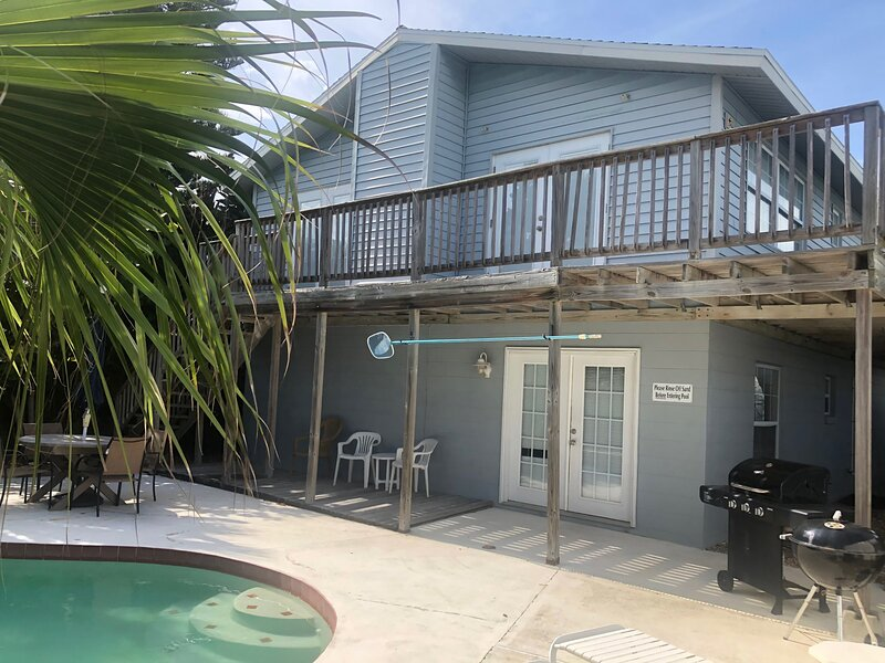 Flip Flop Bungalow w/ Pool, holiday rental in Ormond-by-the-Sea