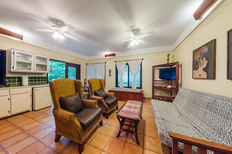 Charming, beachfront condo w/ a shared outdoor pool, partial A/C, & free WiFi, vacation rental in Seine Bight Village