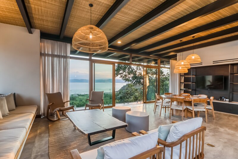 Forest sanctuary w/ a private pool, sundeck, free WiFi, breathtaking ocean views, vakantiewoning in Area de Conservacion Guanacaste