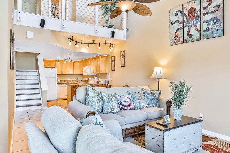 Oceanfront Condo with Ocean View, Shared Pool & Hot Tub, and High-Speed WiFi, vacation rental in Port Canaveral