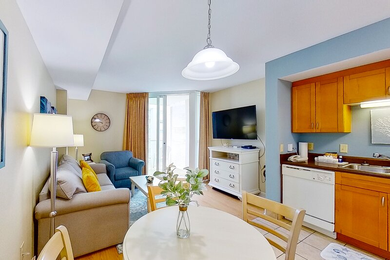4th floor condo w/ shared pool, private W/D, free WiFi, marina View & central AC, vacation rental in Longs