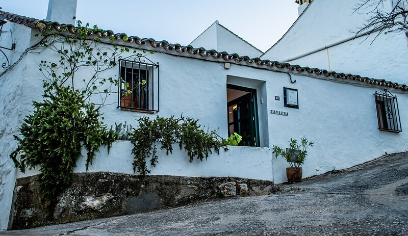 Charming 3-Bed House in Montejaque, near Ronda, casa vacanza a Benaoján