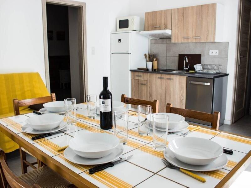 PORTO VECCHIO - Santa Giulia - Mini villa OLIVESE à 150 m de la plage HP28, holiday rental in Santa Giulia