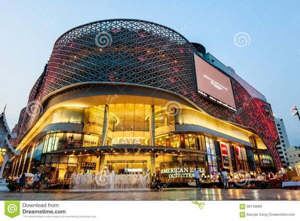 eye popping triplex in the buzzing neiman shopping & restaurant neighbourhood, holiday rental in Mae Raem